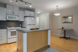 """Photo 4: 906 155 W 1ST Street in North Vancouver: Lower Lonsdale Condo for sale in """"Time"""" : MLS®# R2440353"""