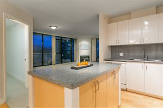 """Photo 5: 906 155 W 1ST Street in North Vancouver: Lower Lonsdale Condo for sale in """"Time"""" : MLS®# R2440353"""