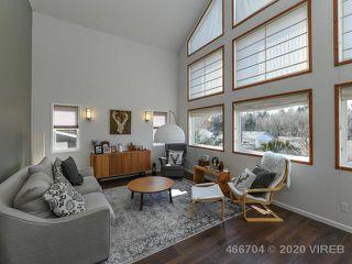 Photo 2: 695 Ellcee Pl in COURTENAY: CV Courtenay East House for sale (Comox Valley)  : MLS®# 835474