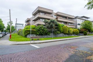 "Photo 4: 103 2100 W 3RD Avenue in Vancouver: Kitsilano Condo for sale in ""PANORAMA PLACE"" (Vancouver West)  : MLS®# R2457956"