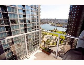 Main Photo: # 2208 550 PACIFIC ST in Vancouver: Condo for sale : MLS®# V782944