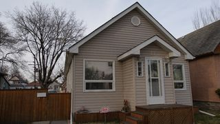 Photo 2: 77 McAdam Avenue in Winnipeg: West Kildonan / Garden City Residential for sale (North West Winnipeg)