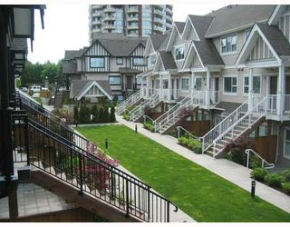 """Photo 2: 33 730 FARROW Street in Coquitlam: Coquitlam West Townhouse for sale in """"FARROW RIDGE"""" : MLS®# V658875"""