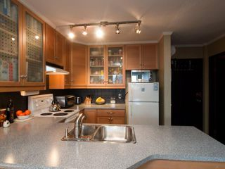 Photo 1: 715 950 Drake Street in Vancouver: Downtown VW Condo for sale (Vancouver West)  : MLS®# V916192