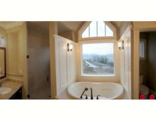 """Photo 3: 2630 EAGLE MOUNTAIN Drive in Abbotsford: Abbotsford East House for sale in """"EAGLE MOUNTAIN"""" : MLS®# F2800170"""