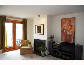 Photo 3: 4 2017 W 15TH Avenue in Vancouver: Kitsilano Townhouse for sale (Vancouver West)  : MLS®# V706066