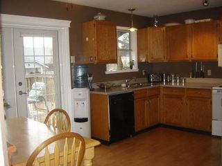 Photo 3: 1533 DOGWOOD AVE in COMOX: Residential Detached for sale : MLS®# 254995