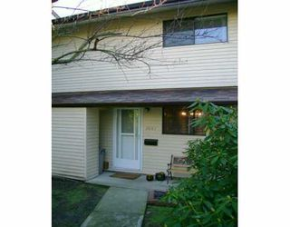"""Photo 1: 2041 HOLDOM Ave in Burnaby: Parkcrest Townhouse for sale in """"BRENTWOOD GARDENS"""" (Burnaby North)  : MLS®# V628932"""
