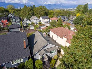 "Photo 16: 3379 W 23RD Avenue in Vancouver: Dunbar House for sale in ""DUNBAR"" (Vancouver West)  : MLS®# R2404436"