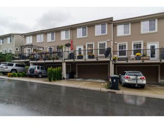 Photo 2: 21146 80A AVENUE in Langley: Willoughby Heights Condo for sale : MLS®# R2117701