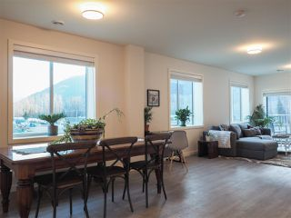 """Photo 10: 201 7322 OLD MILL Road: Pemberton Condo for sale in """"VISTA PLACE"""" : MLS®# R2431256"""