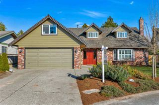 """Photo 1: 624 BLUEGROUSE Place in Delta: Tsawwassen East House for sale in """"FOREST BY THE BAY"""" (Tsawwassen)  : MLS®# R2446219"""