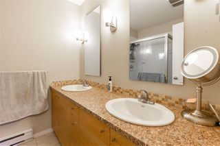 """Photo 8: 50 11067 BARNSTON VIEW Road in Pitt Meadows: South Meadows Townhouse for sale in """"COHO"""" : MLS®# R2472923"""