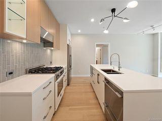 Photo 4: 304 2285 Bowker Ave in Oak Bay: OB North Oak Bay Condo Apartment for sale : MLS®# 840691