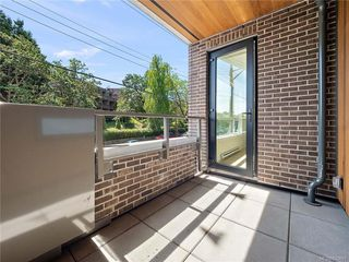 Photo 17: 304 2285 Bowker Ave in Oak Bay: OB North Oak Bay Condo Apartment for sale : MLS®# 840691