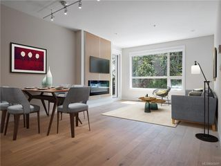 Photo 3: 304 2285 Bowker Ave in Oak Bay: OB North Oak Bay Condo Apartment for sale : MLS®# 840691