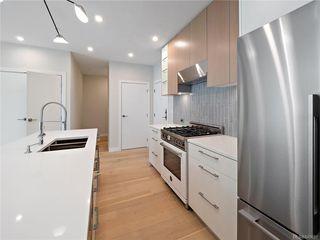 Photo 6: 304 2285 Bowker Ave in Oak Bay: OB North Oak Bay Condo Apartment for sale : MLS®# 840691