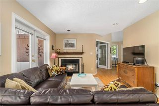 Photo 8: 1017 Pearl Cres in Central Saanich: CS Brentwood Bay House for sale : MLS®# 844857