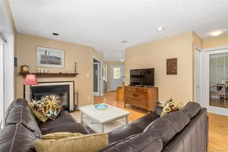 Photo 9: 1017 Pearl Cres in Central Saanich: CS Brentwood Bay Single Family Detached for sale : MLS®# 844857
