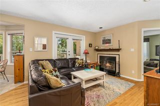 Photo 7: 1017 Pearl Cres in Central Saanich: CS Brentwood Bay House for sale : MLS®# 844857