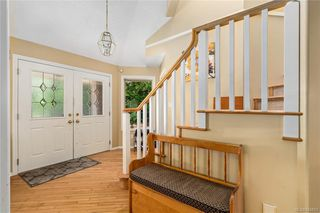 Photo 2: 1017 Pearl Cres in Central Saanich: CS Brentwood Bay House for sale : MLS®# 844857