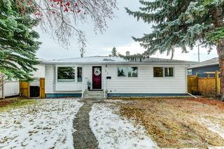 Main Photo: 37 Windermere Road in Calgary: Wildwood Detached for sale : MLS®# A1050849