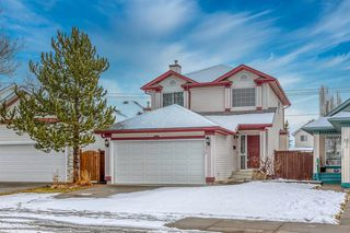 Photo 1: 14716 Mt Mckenzie Drive SE in Calgary: McKenzie Lake Detached for sale : MLS®# A1054201