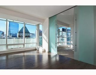 Photo 8: # 2906 1011 W CORDOVA ST in Vancouver: Condo for sale : MLS®# V811000