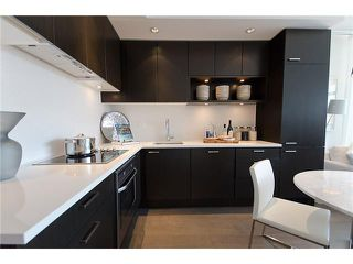 """Photo 3: # 202 2550 SPRUCE ST in Vancouver: Fairview VW Condo for sale in """"SPRUCE"""" (Vancouver West)  : MLS®# V910043"""