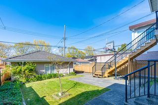 Photo 16: 3323 E 23RD Avenue in Vancouver: Renfrew Heights House for sale (Vancouver East)  : MLS®# R2390260