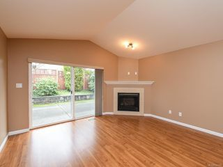 Photo 6: 106 2077 St Andrews Way in COURTENAY: CV Courtenay East Row/Townhouse for sale (Comox Valley)  : MLS®# 836791