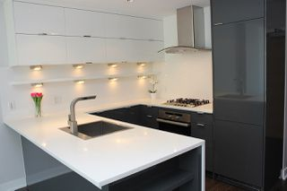 """Photo 3: 518 1777 W 7TH Avenue in Vancouver: Fairview VW Condo for sale in """"KITS 360"""" (Vancouver West)  : MLS®# R2451335"""