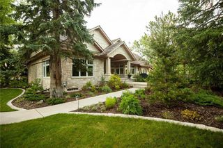 Main Photo: 4012 CRESTVIEW Road SW in Calgary: Elbow Park Detached for sale : MLS®# C4282486