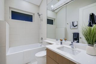 Photo 18: 2630 LAKEWOOD Drive in Vancouver: Grandview Woodland House 1/2 Duplex for sale (Vancouver East)  : MLS®# R2466673
