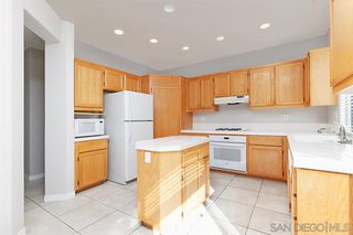 Photo 8: MISSION VALLEY Townhome for sale : 3 bedrooms : 946 Camino de la Reina #15 in San Diego