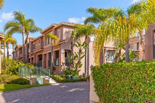 Photo 2: MISSION VALLEY Townhome for sale : 3 bedrooms : 946 Camino de la Reina #15 in San Diego