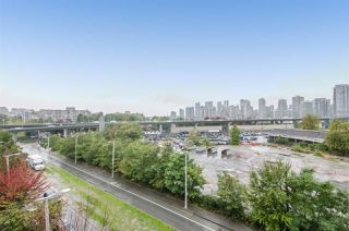 "Photo 16: 701 1833 CROWE Street in Vancouver: False Creek Condo for sale in ""THE FOUNDRY"" (Vancouver West)  : MLS®# R2508702"