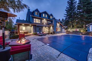 Photo 2: 4615 Coronation Drive SW in Calgary: Britannia Detached for sale : MLS®# A1042591