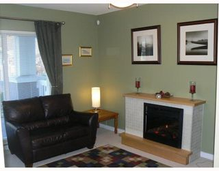 "Photo 2: 14 7533 HEATHER Street in RICHMOND: Townhouse for sale in ""HEATHER GREENE"" (Richmond)  : MLS®# V808019"