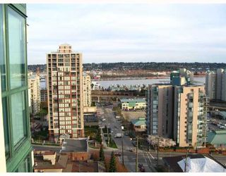 "Photo 10: 121 10TH Street in New Westminster: Uptown NW Condo for sale in ""Vista Royale"" : MLS®# V639568"