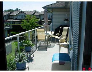 """Photo 6: 18 21579 88B Avenue in Langley: Walnut Grove Townhouse for sale in """"Carriage Park"""" : MLS®# F2716232"""