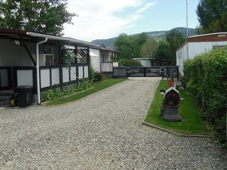 Photo 2: F2 220 G&M RD in Kamloops: Manufactured Home for sale : MLS®# 104142