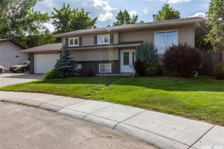 Photo 1: 183 Coldspring Crescent in Saskatoon: Lakeview SA Residential for sale : MLS®# SK779270