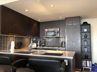 Photo 3: 805 2975 ATLANTIC Avenue in Coquitlam: North Coquitlam Condo for sale : MLS®# R2398725