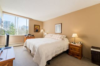 "Photo 8: 803 2020 FULLERTON Avenue in North Vancouver: Pemberton NV Condo for sale in ""Woodcraft/ Hollyburn Building"" : MLS®# R2403591"