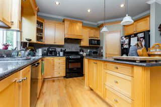 """Photo 11: 21683 90A Avenue in Langley: Walnut Grove House for sale in """"Madison Park"""" : MLS®# R2405115"""