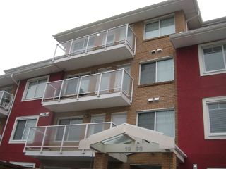 """Photo 2: 301 1990 WESTMINSTER Avenue in Port Coquitlam: Glenwood PQ Condo for sale in """"The Arden"""" : MLS®# R2428018"""