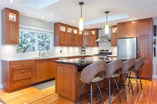 Photo 5: 15318 21 Avenue in Surrey: King George Corridor House for sale (South Surrey White Rock)  : MLS®# R2428864