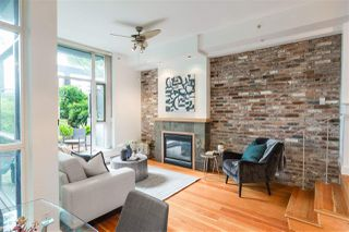 """Photo 4: 112 2515 ONTARIO Street in Vancouver: Mount Pleasant VW Condo for sale in """"ELEMENTS"""" (Vancouver West)  : MLS®# R2473031"""