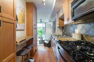 """Photo 9: 112 2515 ONTARIO Street in Vancouver: Mount Pleasant VW Condo for sale in """"ELEMENTS"""" (Vancouver West)  : MLS®# R2473031"""